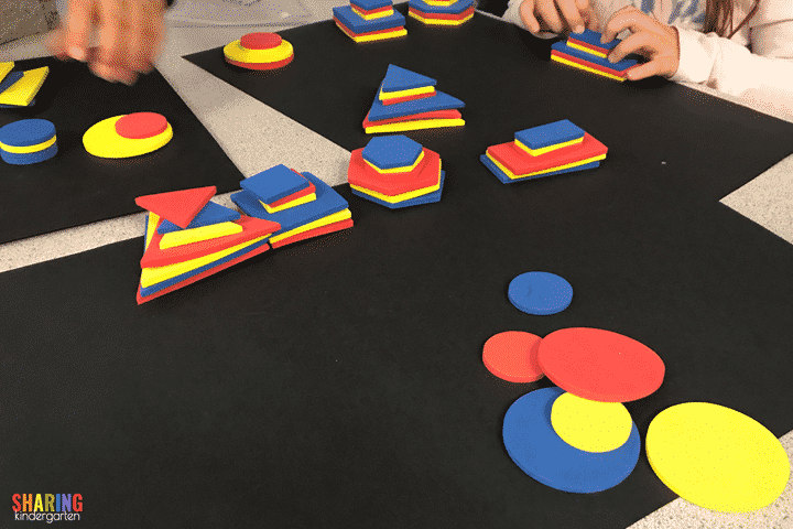 Sorting shapes by their attributes